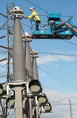 Kamyonüstü platform enerji nakil hattı bakımında