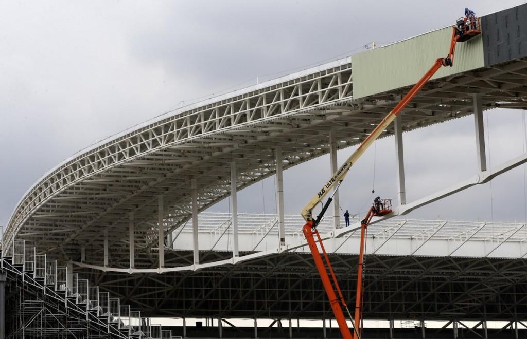 Dizel teleskopik platform stadyum inşaatında