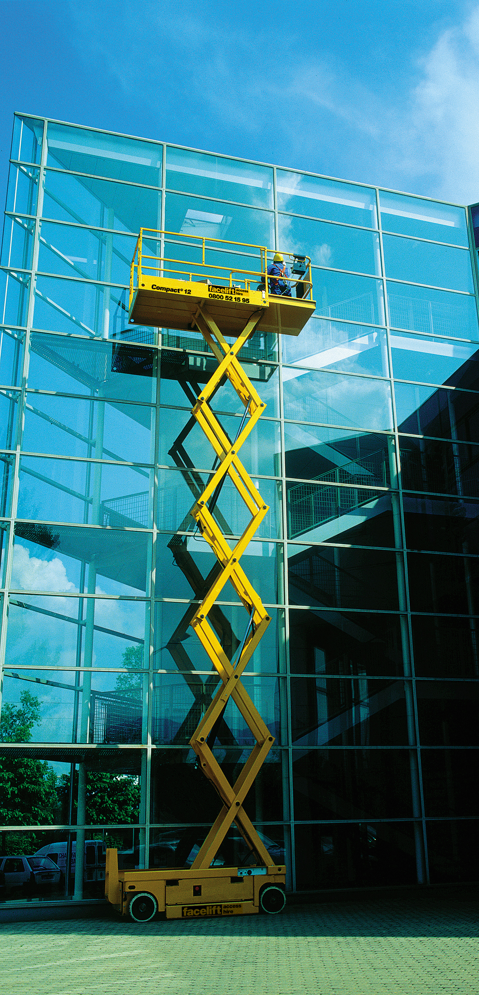 Haulotte-Compact12-Window-Cleaning